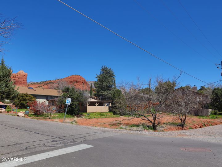 10 Yucca Dr Sedona AZ Home. Photo 2 of 7