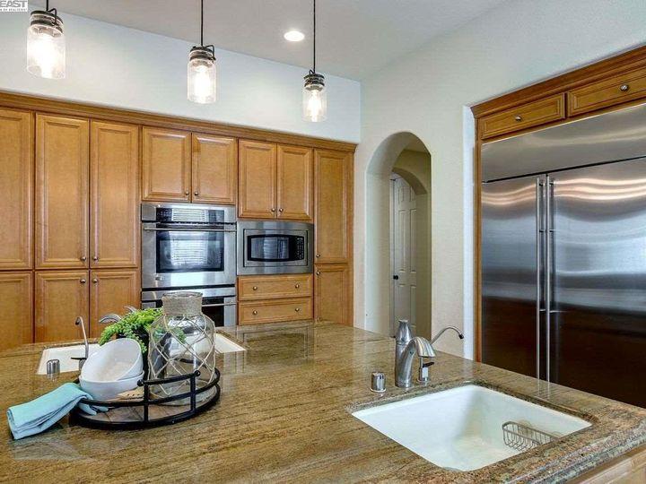 1090 Shadow Hills Ct Pleasanton CA Home. Photo 11 of 40