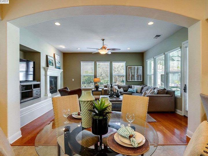 1090 Shadow Hills Ct Pleasanton CA Home. Photo 13 of 40