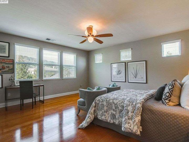 1090 Shadow Hills Ct Pleasanton CA Home. Photo 19 of 40
