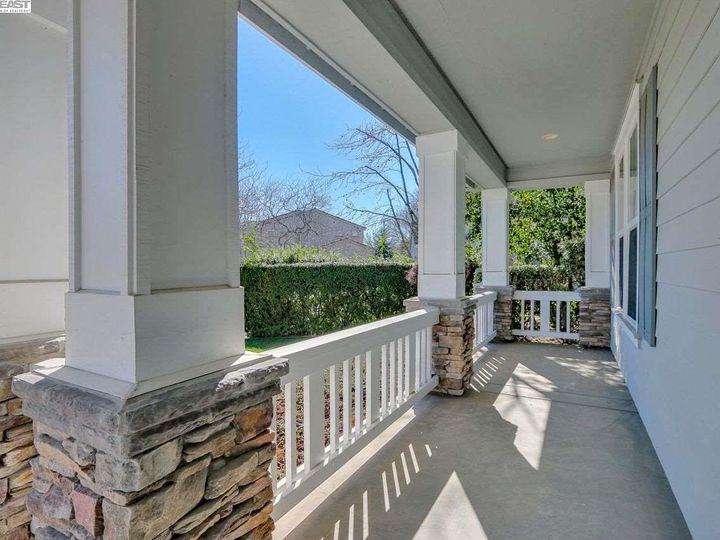 1090 Shadow Hills Ct Pleasanton CA Home. Photo 3 of 40