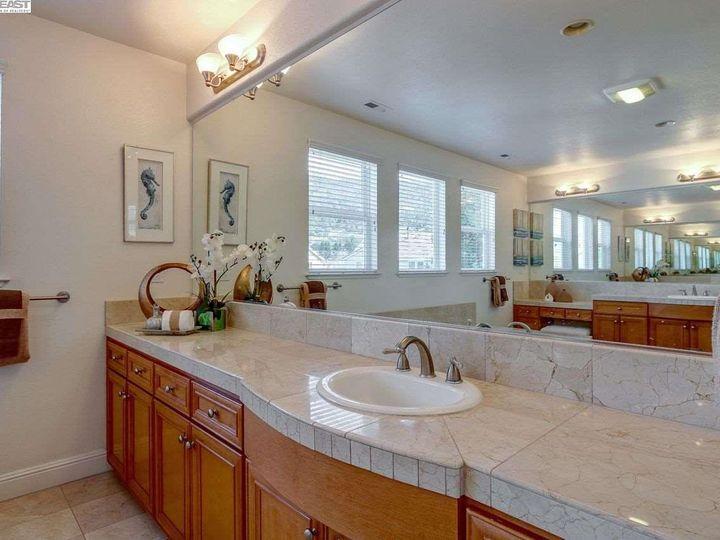 1090 Shadow Hills Ct Pleasanton CA Home. Photo 28 of 40