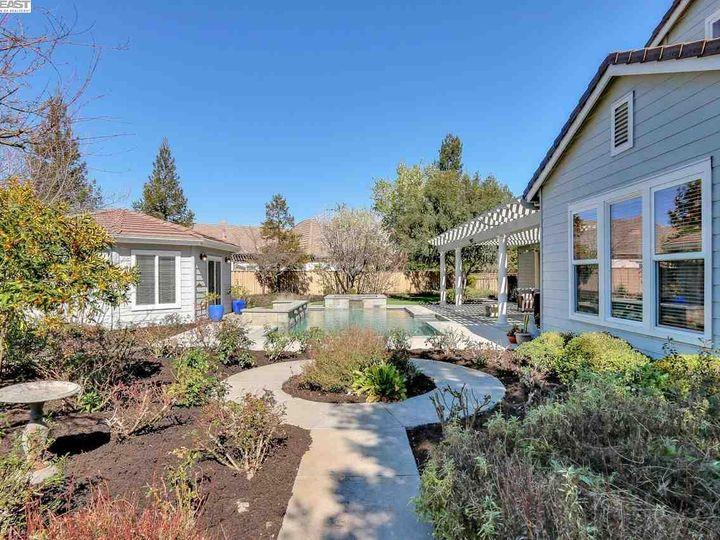 1090 Shadow Hills Ct Pleasanton CA Home. Photo 33 of 40