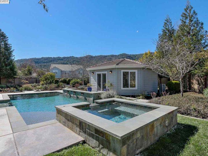 1090 Shadow Hills Ct Pleasanton CA Home. Photo 35 of 40