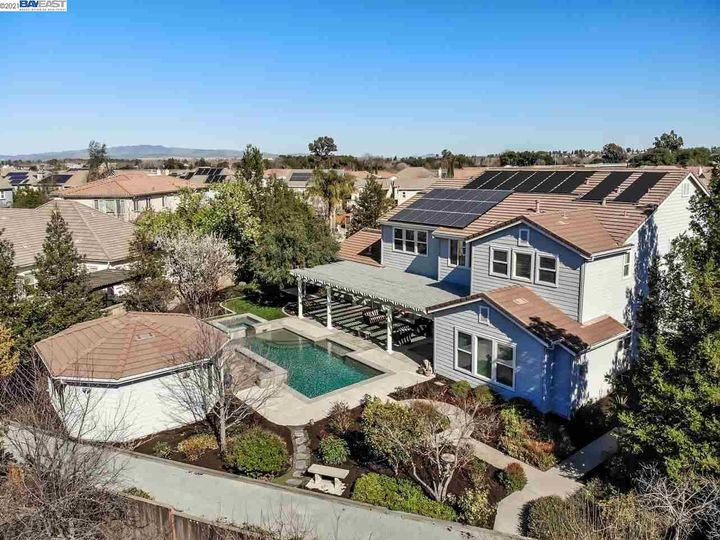 1090 Shadow Hills Ct Pleasanton CA Home. Photo 39 of 40