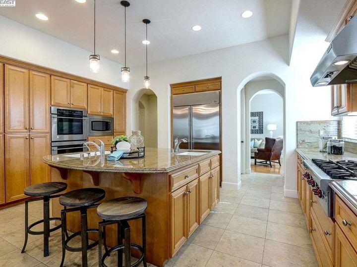 1090 Shadow Hills Ct Pleasanton CA Home. Photo 9 of 40
