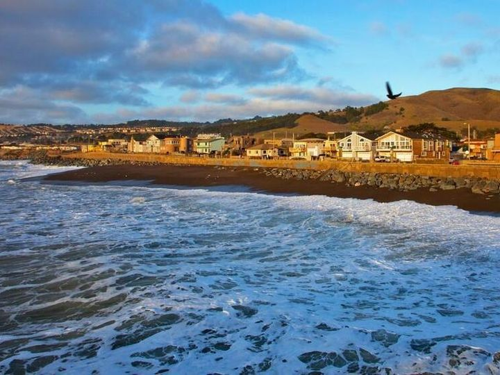 1567 Beach Blvd Pacifica CA. Photo 1 of 8