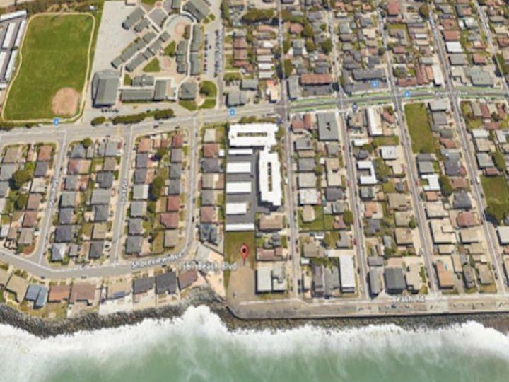 1567 Beach Blvd Pacifica CA. Photo 2 of 8