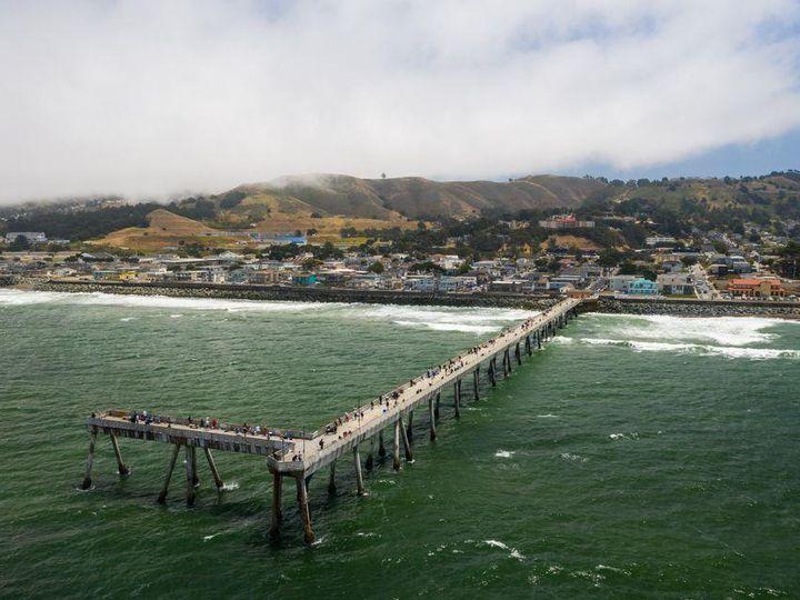 1567 Beach Blvd Pacifica CA. Photo 4 of 8