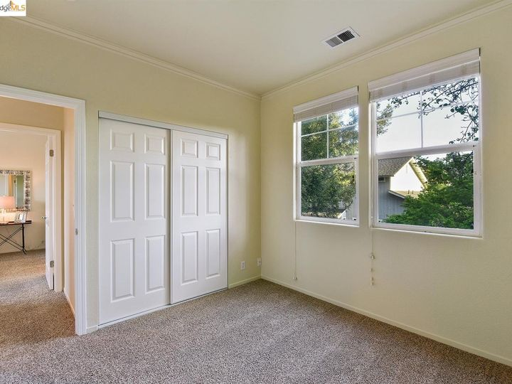 1620 Pinebrook Pl, Santa Rosa, CA, 95403 Townhouse. Photo 11 of 25