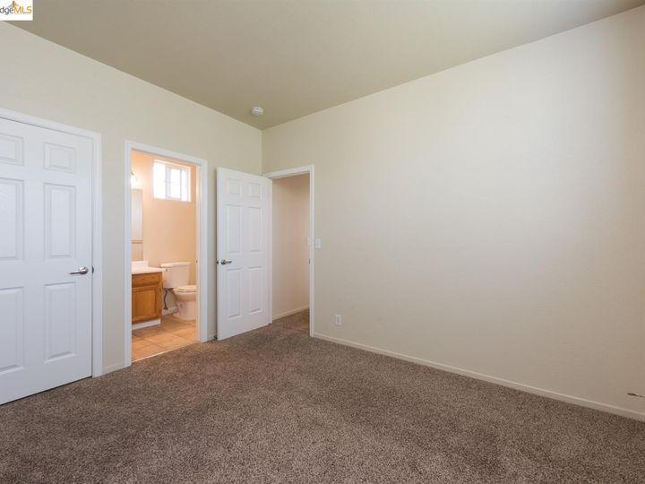 1620 Pinebrook Pl, Santa Rosa, CA, 95403 Townhouse. Photo 18 of 25