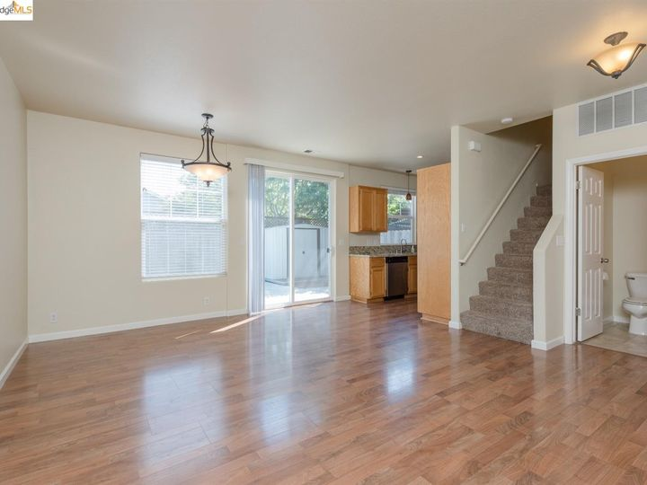 1620 Pinebrook Pl, Santa Rosa, CA, 95403 Townhouse. Photo 20 of 25
