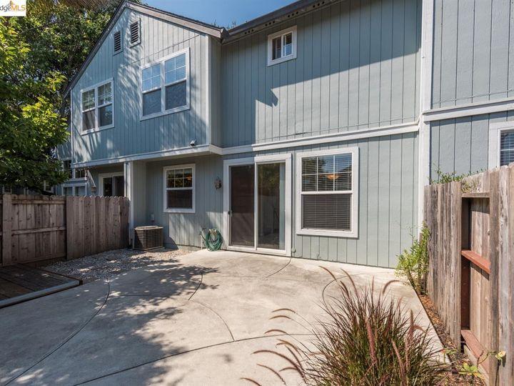 1620 Pinebrook Pl, Santa Rosa, CA, 95403 Townhouse. Photo 22 of 25