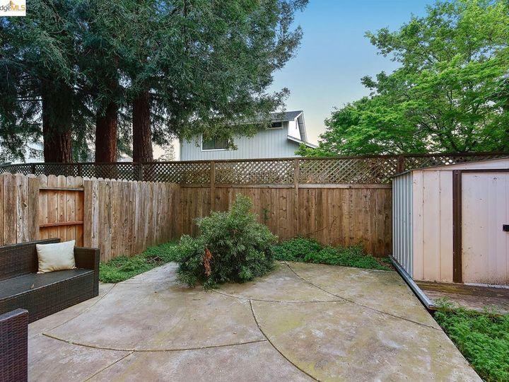 1620 Pinebrook Pl, Santa Rosa, CA, 95403 Townhouse. Photo 23 of 25