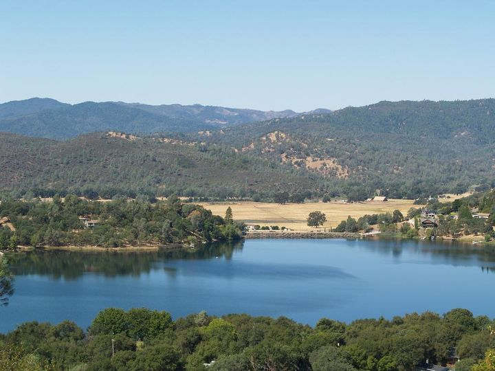 18202 Hidden Valley Rd  CA. Photo 5 of 8