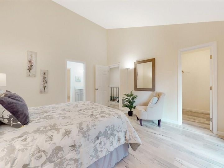 201 Flynn Ave #8, Mountain View, CA, 94043 Townhouse. Photo 12 of 33
