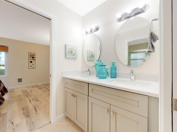 201 Flynn Ave #8, Mountain View, CA, 94043 Townhouse. Photo 15 of 33