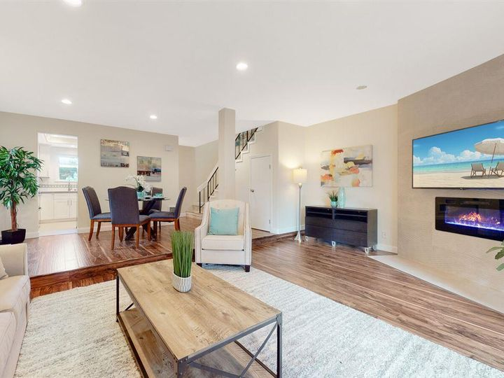 201 Flynn Ave #8, Mountain View, CA, 94043 Townhouse. Photo 3 of 33
