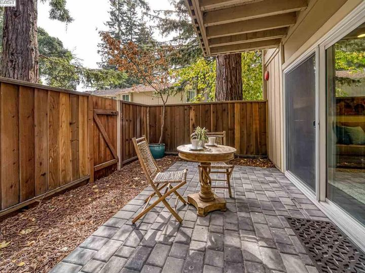 201 Flynn Ave #8, Mountain View, CA, 94043 Townhouse. Photo 26 of 33