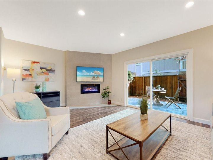 201 Flynn Ave #8, Mountain View, CA, 94043 Townhouse. Photo 4 of 33