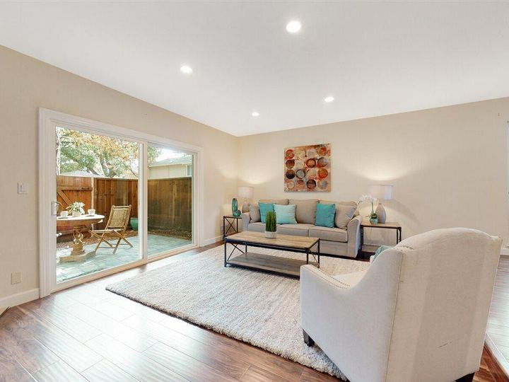 201 Flynn Ave #8, Mountain View, CA, 94043 Townhouse. Photo 6 of 33