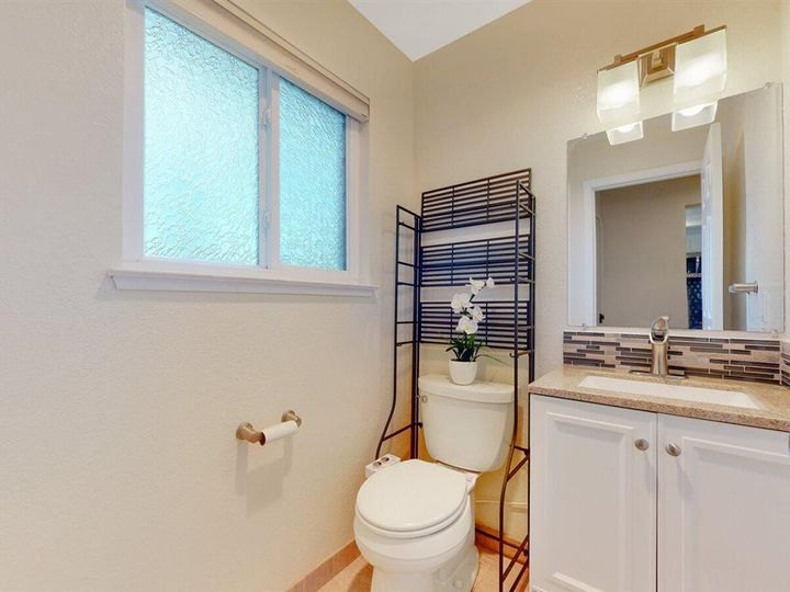201 Flynn Ave #8, Mountain View, CA, 94043 Townhouse. Photo 10 of 33