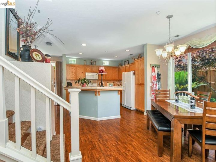 2476 Marshall Dr Brentwood CA Home. Photo 5 of 37