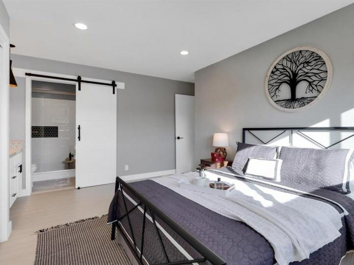 27 Saw Mill Ct, Mountain View, CA, 94043 Townhouse. Photo 16 of 18