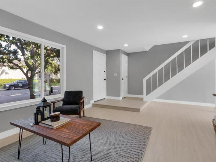 27 Saw Mill Ct, Mountain View, CA, 94043 Townhouse. Photo 6 of 18