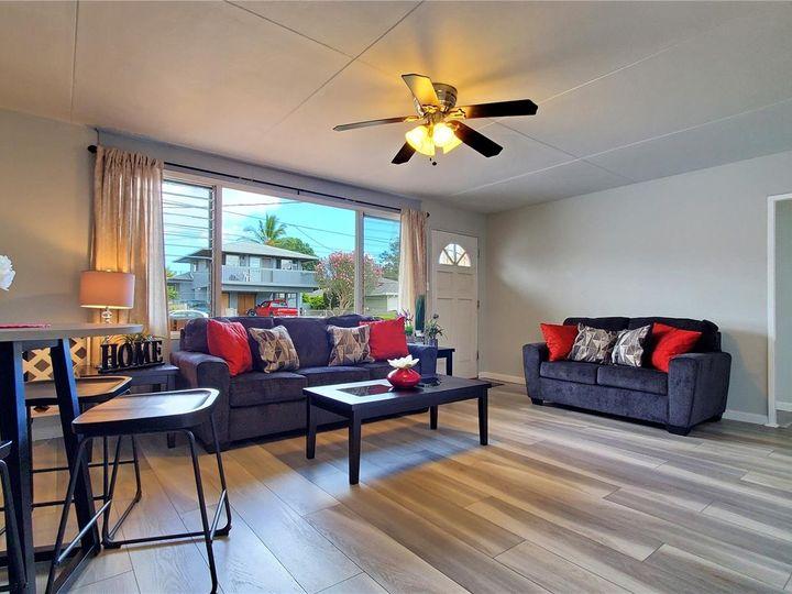 328 Hoomalu St Pearl City HI Home. Photo 1 of 21