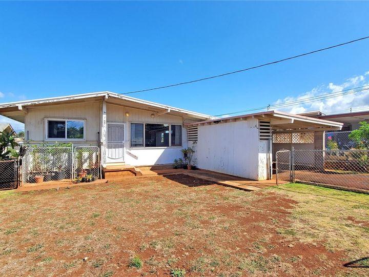 328 Hoomalu St Pearl City HI Home. Photo 2 of 21