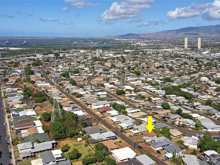 328 Hoomalu St Pearl City HI Home. Photo 18 of 21
