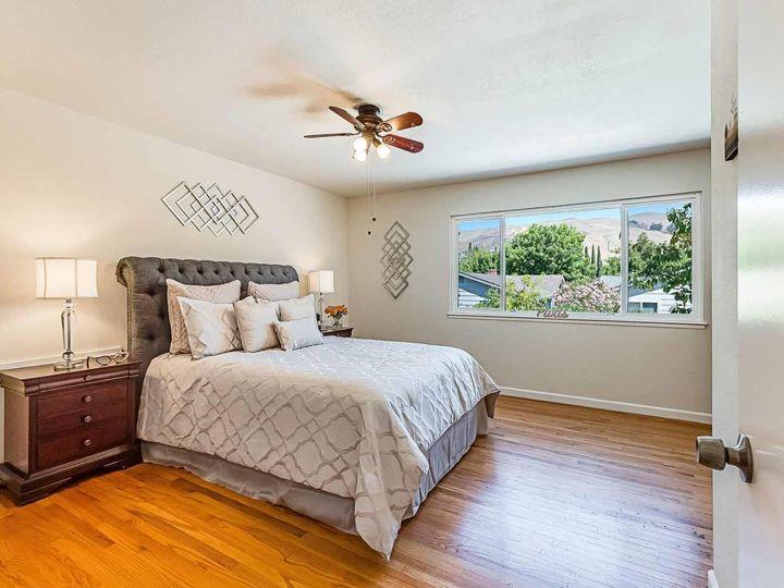 3433 Carobwood Ct San Jose CA Home. Photo 19 of 34