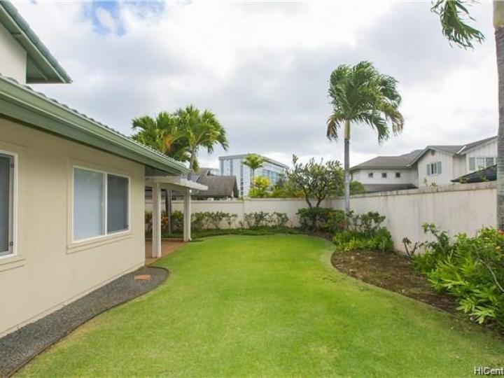 389 Ainahou St Honolulu HI Home. Photo 20 of 25