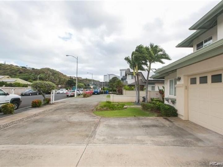 389 Ainahou St Honolulu HI Home. Photo 22 of 25