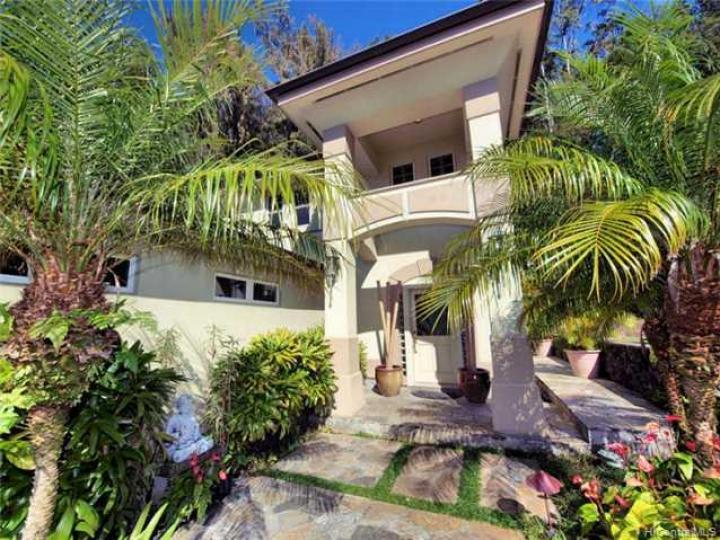 3912 Waokanaka St Honolulu HI Home. Photo 1 of 10