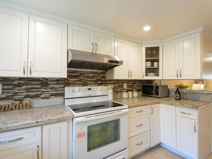 393 N Temple Dr, Milpitas, CA, 95035 Townhouse. Photo 11 of 40