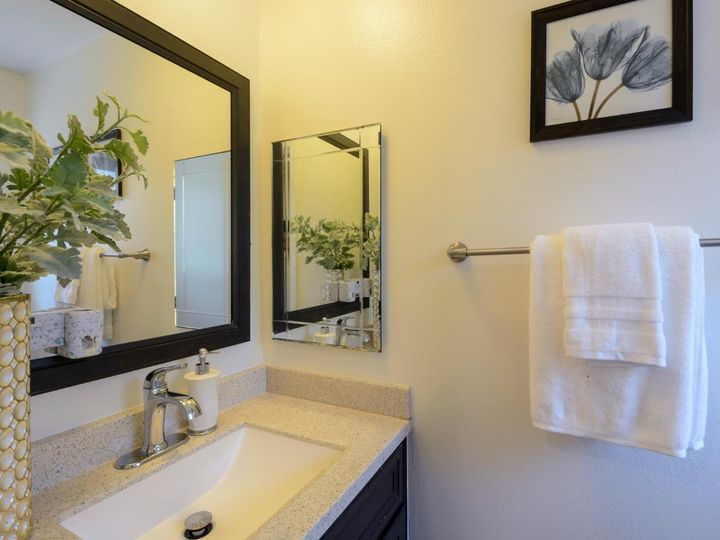 393 N Temple Dr, Milpitas, CA, 95035 Townhouse. Photo 25 of 40
