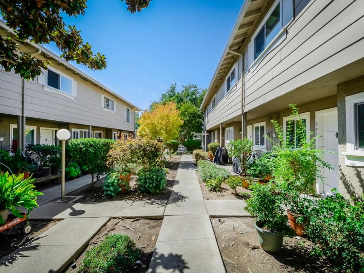 393 N Temple Dr, Milpitas, CA, 95035 Townhouse. Photo 4 of 40