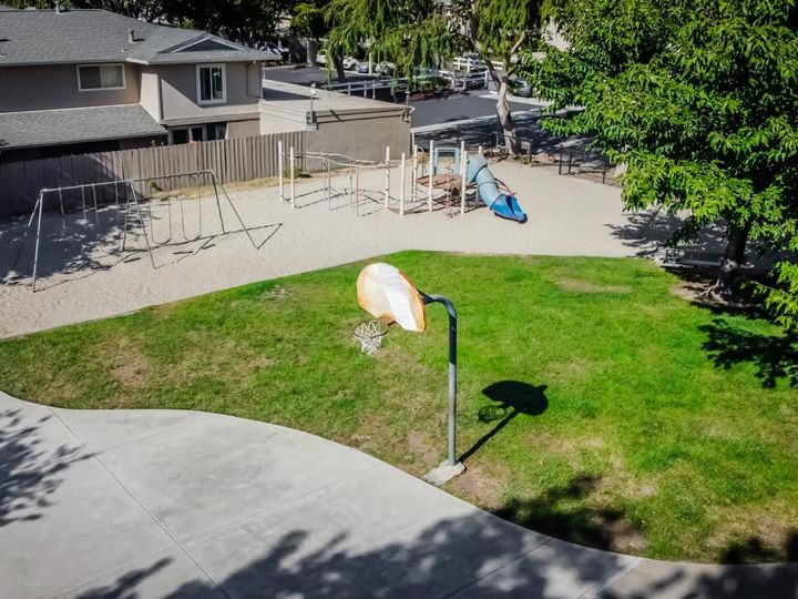 393 N Temple Dr, Milpitas, CA, 95035 Townhouse. Photo 39 of 40