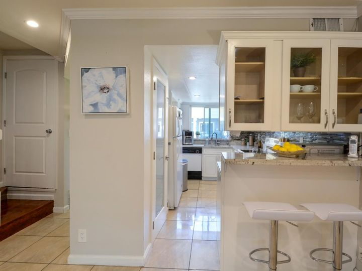 393 N Temple Dr, Milpitas, CA, 95035 Townhouse. Photo 10 of 40