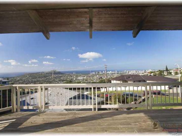 4009 Pakahi Pl Honolulu HI Home. Photo 9 of 10