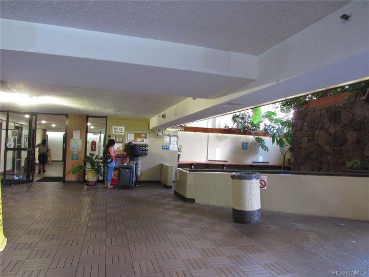 Hawaiian Monarch condo #3802. Photo 16 of 18