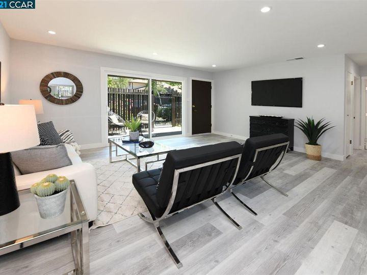 5467 Roundtree Pl ##A, Concord, CA, 94521 Townhouse. Photo 12 of 37