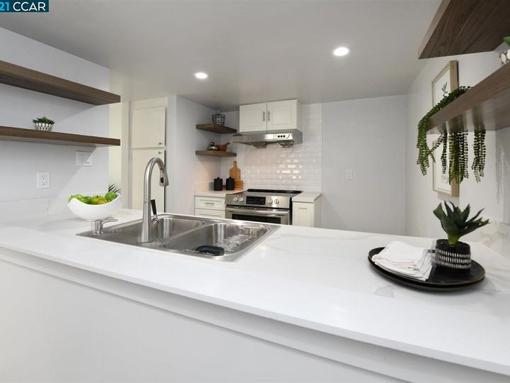 5467 Roundtree Pl ##A, Concord, CA, 94521 Townhouse. Photo 15 of 37