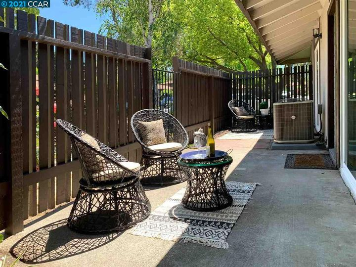 5467 Roundtree Pl ##A, Concord, CA, 94521 Townhouse. Photo 7 of 37