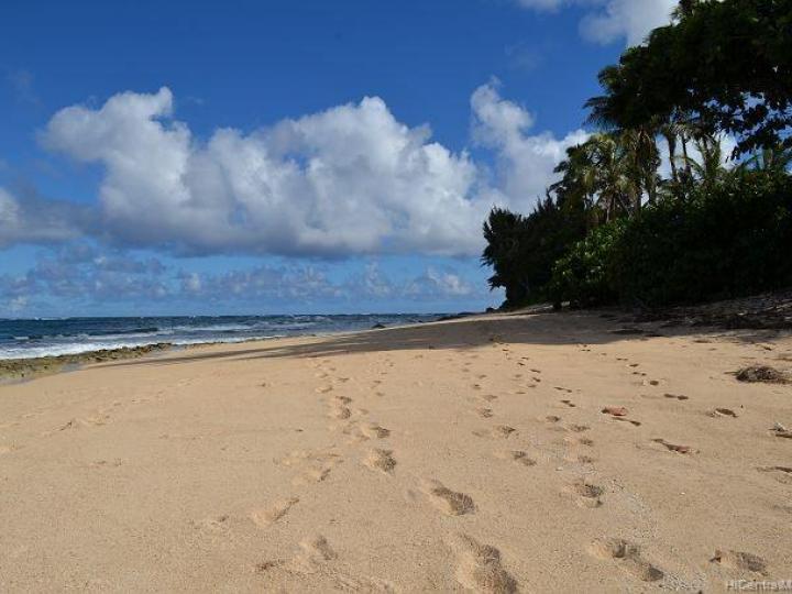 Rental 57-495 Kamehameha Hwy, Kahuku, HI, 96731. Photo 1 of 19