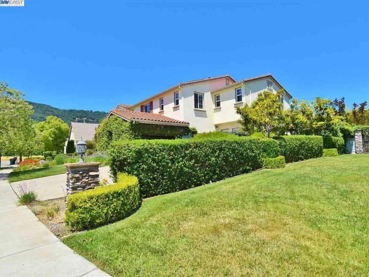 7285 Beaumont Ct Pleasanton CA Home. Photo 4 of 12