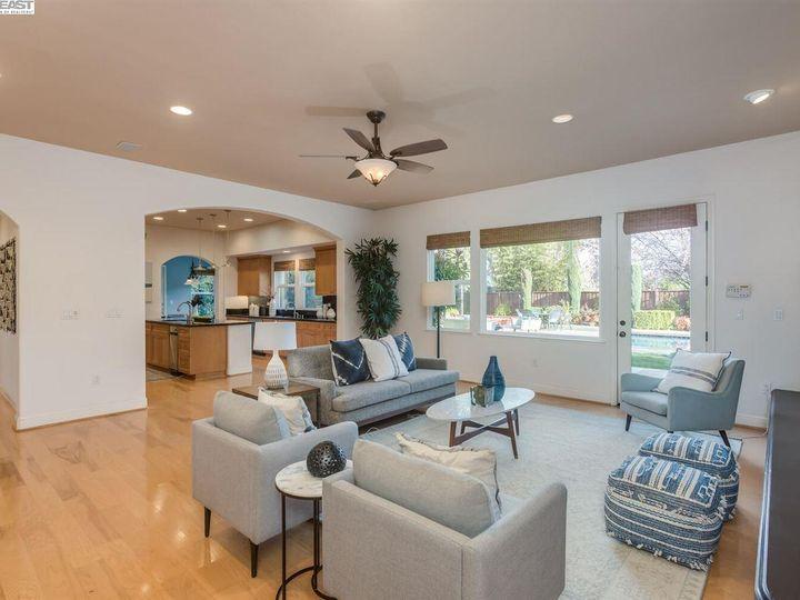 7294 Huntswood Ct Pleasanton CA Home. Photo 13 of 40