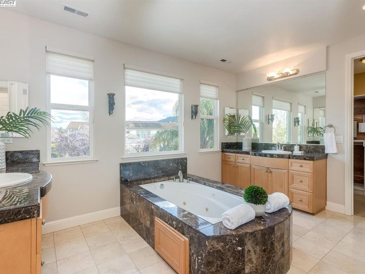 7294 Huntswood Ct Pleasanton CA Home. Photo 22 of 40